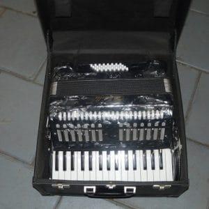 Accordeon Serenelli in koffer
