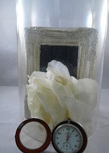 Occasion. Vintage zakhorloge Albula. De balansring is stuk, en in het glas van het uurwerk zit een scheur. Mooi als decoratie, bijv. onder een stolp.