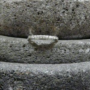 Witgouden ring met briljanten hoofdfoto