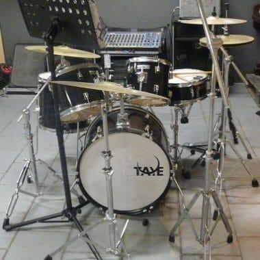 Drumstel Taye