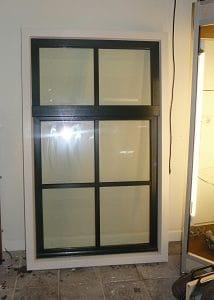 Kunststof raam met kozijn