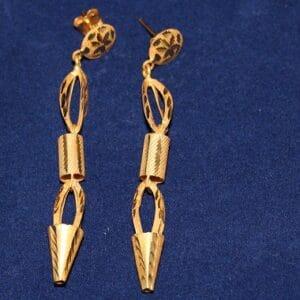 Gouden oorbellen lang hoofdfoto